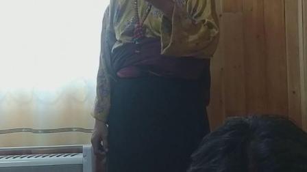 中国格萨尔文化史诗第一村德尔文部落的  格萨尔说唱艺人才忠