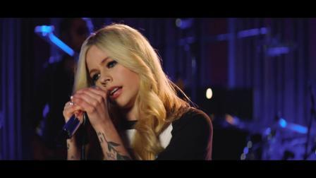 薇儿·拉维尼 (Avril Lavigne)  LIVE 演绎歌曲《Dumb Blonde》