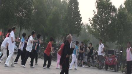 卫辉市人民西广场东岳太极拳十五式拳杨东海