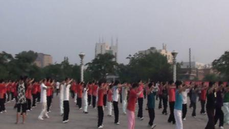 卫辉市人民西广场东岳太极拳二十四式杨东海