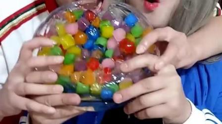 吃冰块达人夫妻,气球模型水晶冰 洋葱超大模型冰 水管果冻冰
