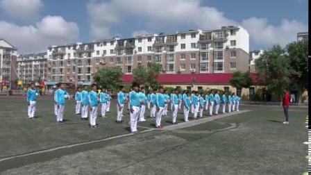 《足球游戲:運球接力》科學版體育六年級,邢鵬