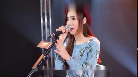 美女翻唱陈慧娴金曲《飘雪》粤语经典-老歌百听不厌