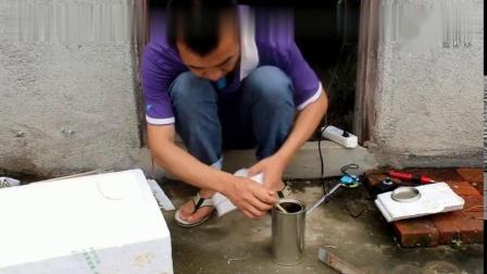 农民泡沫箱养鱼新创意,方法简单实用,学会了每天能吃新鲜鱼