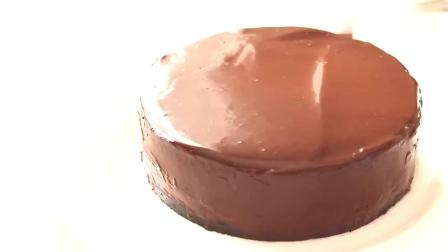 国外达人制作的巧克力慕斯蛋糕,看着就好美味,超赞