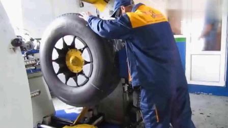 民间牛人修复损坏的汽车轮胎,恕我直言,这还是第一次见!