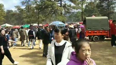 云南省大理州鹤庆县天子庙会现场