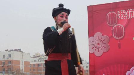 谭同朝作品《省非遗乱弹剧团县广场演出》