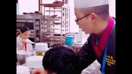 重庆太阳鸟培训学校西点专业高级讲师彭老师