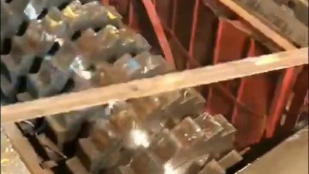 废铁门油桶液化气罐双轴金属撕碎机试机现场粉碎机破碎机