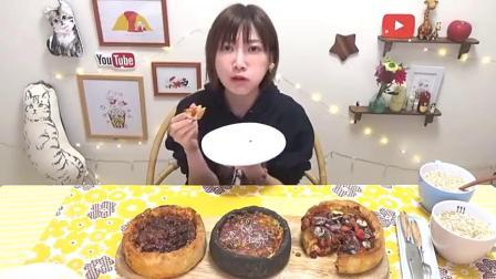 日本大胃王吃货木下妹子挑战吃高热量蘑菇洋葱,芝士披萨喝奶油汤