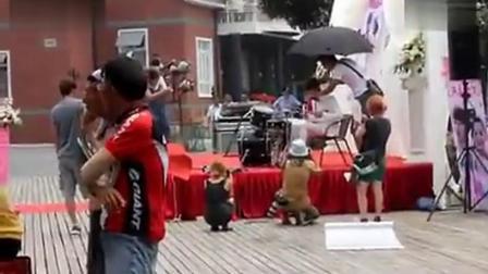 2012.07.07有效期限爱上你拍摄时鲁敏宇打鼓唱黄飞鸿