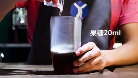 网红奶茶就是这么做出来,抹茶粉洒在奶盖上那一刻,这杯奶不简单
