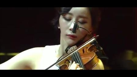 美女小提琴家演奏《乱世佳人》眼睛与耳朵的双重享受~