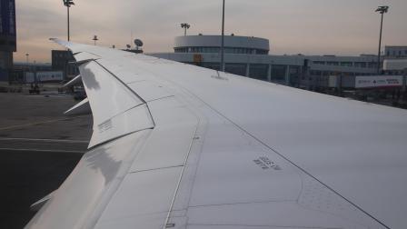海南航空波音787-9在北京首都机场推出至引擎启动的全过程