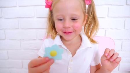 儿童玩具游戏:和爸爸一起做玩具蛋糕