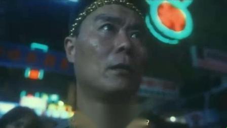 我在香港电影【龍虎砵兰街】(粤语)截取了一段小视频