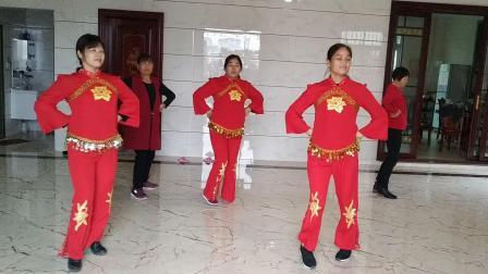 火火的姑娘(云裳编舞)蕾蕾广场舞