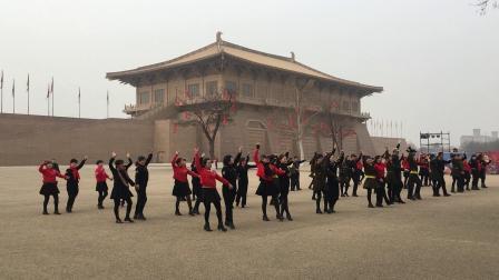 张玉龙舞团(水兵吉特巴三步踩)参加演出排练3月4日