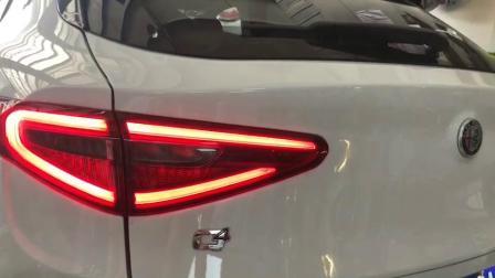 阿尔法 罗密欧Stelvio SUV 升级CSK中尾段阀门排气管