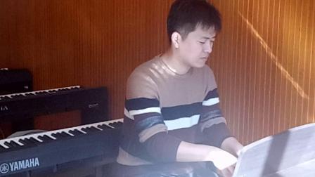 一中音乐教师演奏二泉映月