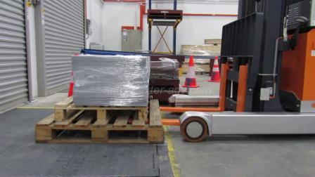 AxterAGV-Laserguided-Reach Truck前移式叉车应用实例