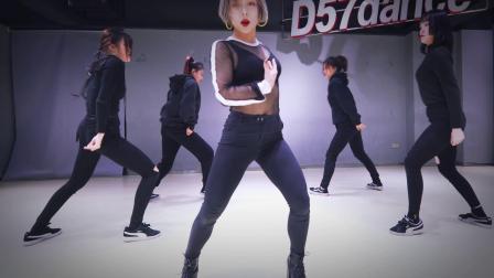 【D57舞蹈工作室】金请夏《벌써 12시》—— AVA翻跳视频