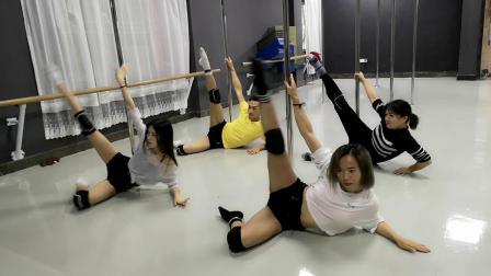 清溪灵子舞蹈钢管舞