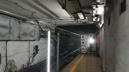 北京地铁2号线DKZ16进鼓楼大街站