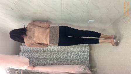 春季黑色裤子与长袖的搭配