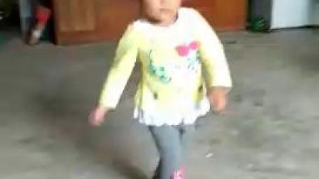 邝琳成长记跳舞