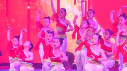 内江市舒婷舞蹈培训学校 20周年文艺晚会  02红红中国结