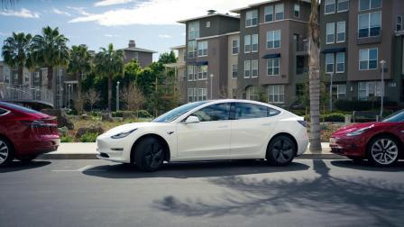 Model 3 自动泊车