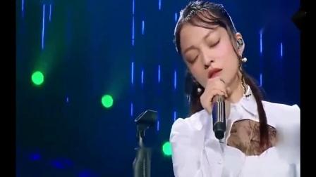 张韶涵一首《再见青春》爆发力十足,原唱汪峰都自叹不如!