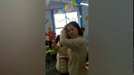 管隽雷参加学校2019年新年联欢会表演