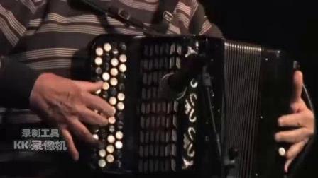 Ruggero Passarini先生演奏的巴扬曲