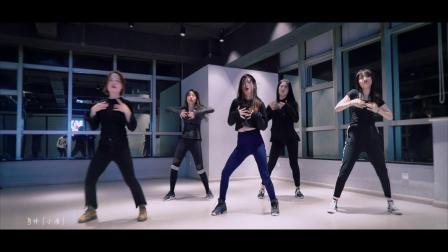 南京美度舞蹈培训 #歌曲#蔡依林-特务J 小鱼老师和会员班学员们蔡依林舞蹈系列又完成一支作品啦,继续继续啊