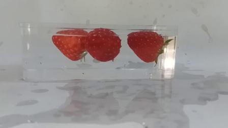 慢动作草莓拍摄