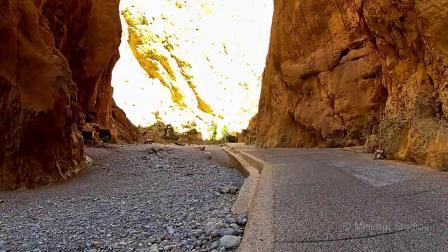 在摩洛哥旅行的道路上