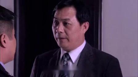 我在尹志强被问执法记录当场翻脸情绪失控,赵一阳出现及时阻拦截了一段小视频