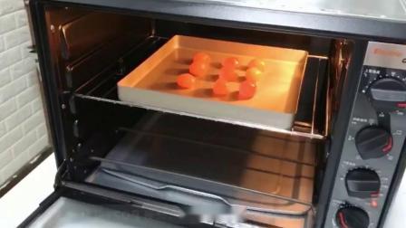 蛋黄酥的制作方法,大家一起做起来吧,有什么不懂的可以问咨询我。
