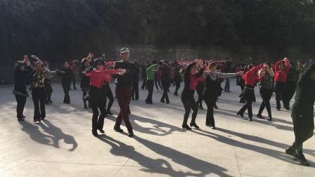 张玉龙金琳教跳(兵兵三步踩)演示3月15日