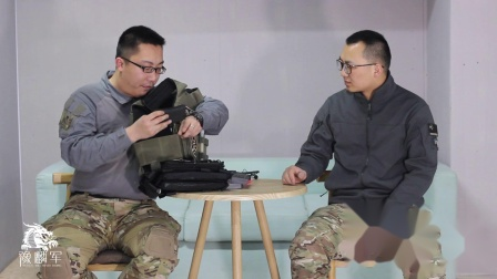 【一个不正经的测评】发际线组合测评大脚国际FCSK战术背心