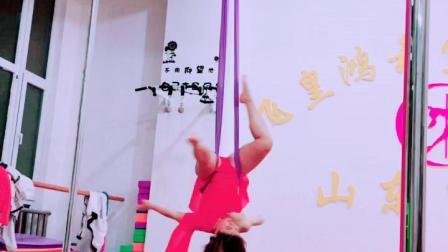 空中瑜伽专业培训学校飞皇钢管舞培训