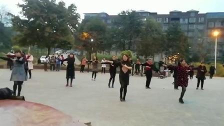 禄加世民广场舞一一三月三