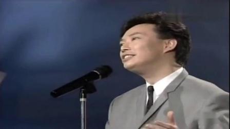40年前费玉清演唱的电视连续剧《一袭青纱万缕情》主题曲《晚安曲》,《晚安曲》也成为了海内外华人社会里无处不在、不可或缺的一首歌。这首歌同时也是费玉清的成名曲。