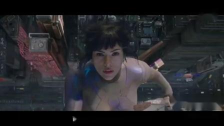 《攻壳机动队》,一部特效科幻电影 4分钟看完《攻壳机动队》  动作戏燃爆眼球!