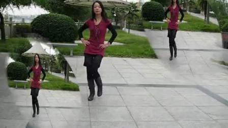 盛泽雨夜广场舞---河岸好姑娘
