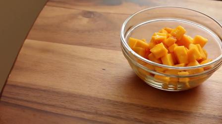 正宗芒果寿司的做法,免焗芒果慕斯蛋糕 ,看着是否口水直流