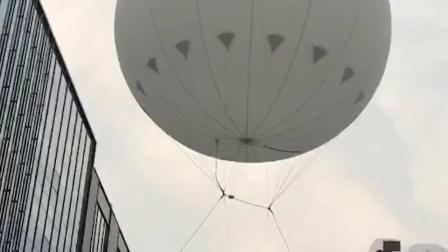 中国首创高空杂技《气球空中芭蕾》《气球飞人》